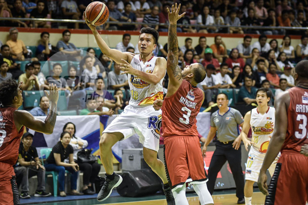 James Yap inches closer to joining 10,000-point club, but insists milestone not a priority