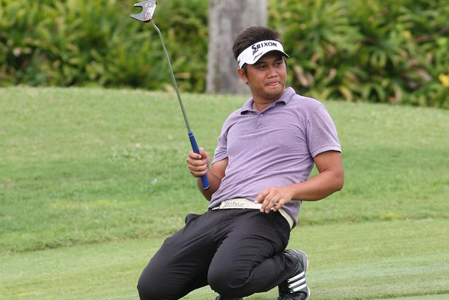 Clyde Mondilla wins by one stroke over Miguel Tabuena, Tony Lascuna at Southwoods
