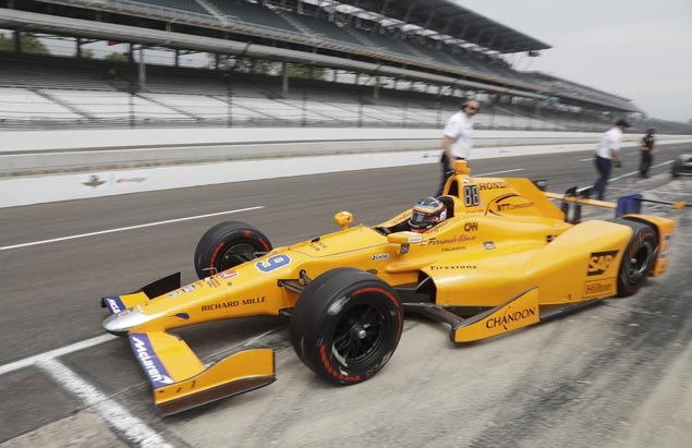 Ed Carpenter takes top spot, Fernando Alonso secures place in pole shootout after crash-marred Indy 500 qualifying