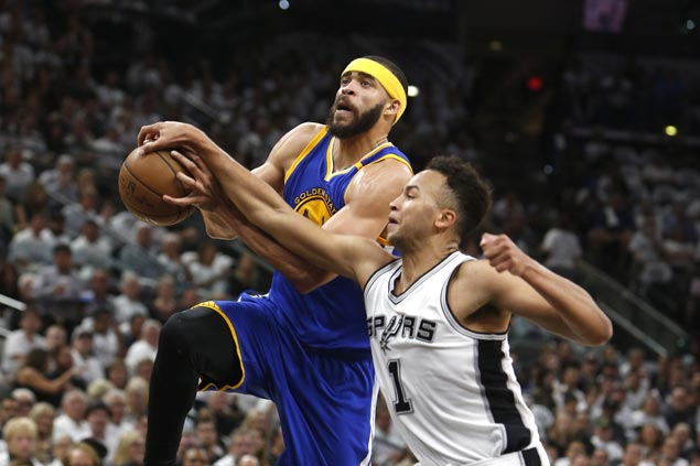 KD takes charge, McGee grabs share of spotlight as Warriors down Spurs to close in on sweep