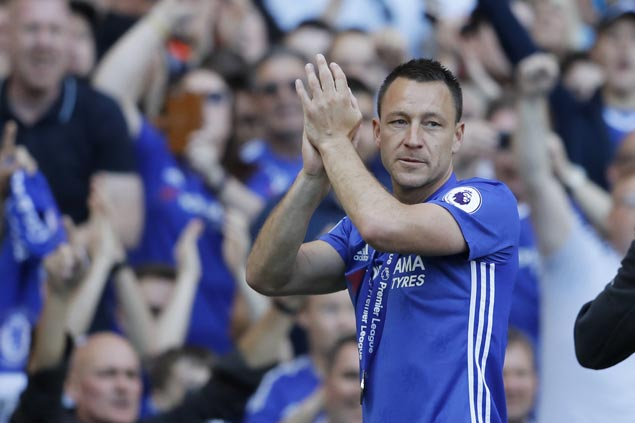 John Terry receives guard of honor in final appearance with Chelsea at Stamford Bridge