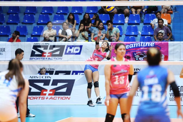 No complaints from Alyssa Valdez after two-point performance in rare off-the-bench role