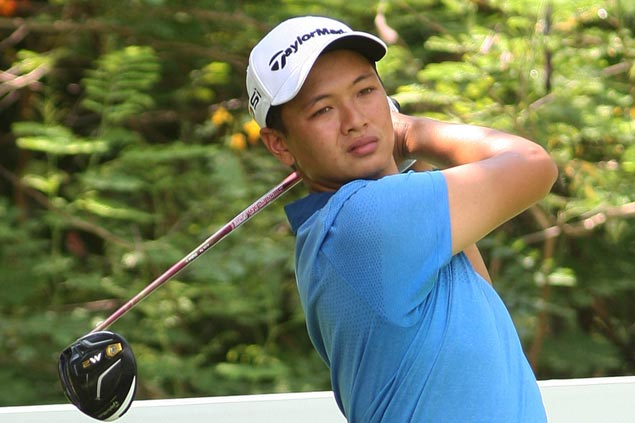 Jobim Carlos birdies closing hole for one-stroke lead in first round of Philippine Masters