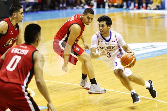 NLEX endures early Wayne Chism exit, turns back Alaska to avert winless campaign