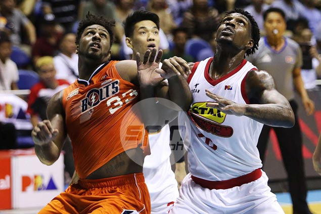 Star relies on Ratliffe might and muscle to bring down Meralco, grab solo PBA lead