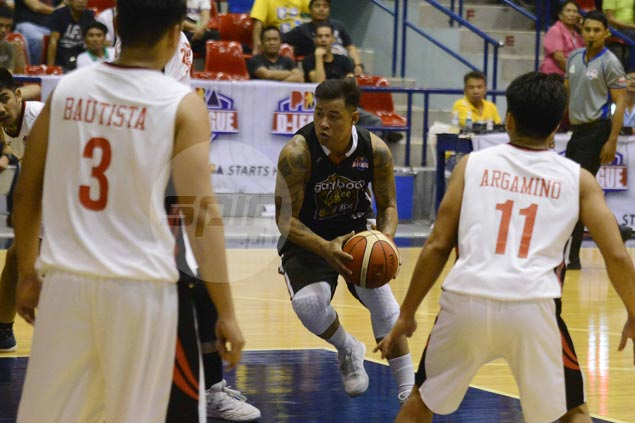 Playing coach Leo Avenido takes charge in endgame as Gamboa Coffee rallies to beat Zark's