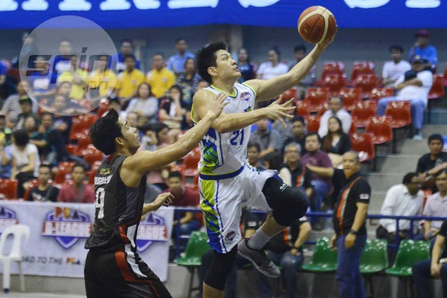 Jeron Teng sinks jaw-dropping game-winner as Flying V stuns Cignal in winning D-League debut