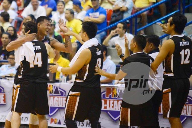 Leo Avenido under no illusion that playing-coach role is easy: 'Hindi naman ako si Jawo'