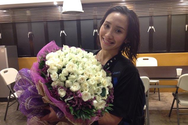 Mel Gohing to mysterious bouquet sender: 'Kung sino ka man, pakilala ka na'