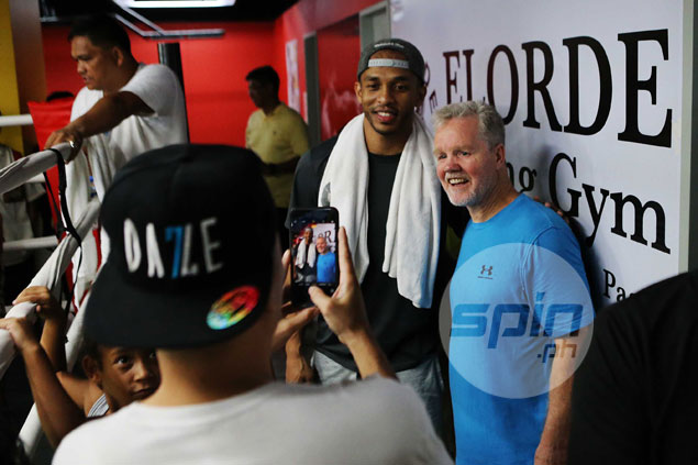 Pacquiao an inspiration as Chris Ross psyches himself up for PBA playoffs by watching champ at training