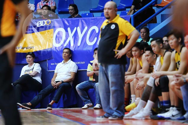 UST assistant coach, captain deny players' upheaval over alleged Boy Sablan outburst