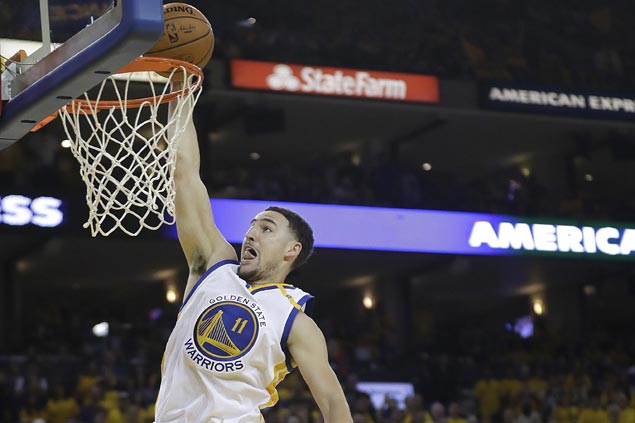 Klay Thompson regains groove to help Warriors' MVP duo rip Cavs anew for 2-0 lead