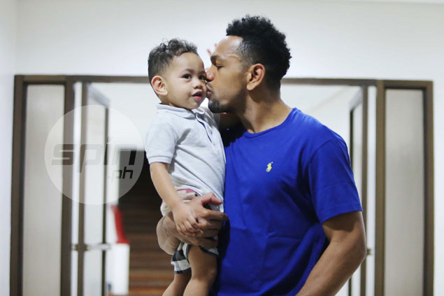 Daddy duty keeps Jayson Castro out of TNT practice as family welcomes first daughter