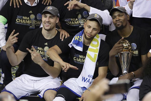 Kevin Durant caps magical debut season with Warriors by winning Finals MVP award