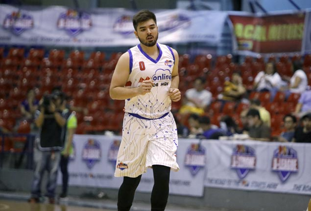 Actor Andre Paras looks good in return to basketball after two-year layoff