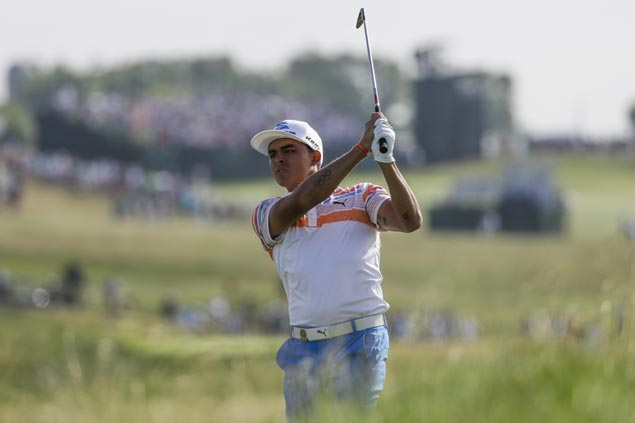 Rickie Fowler matches US Open record to par with 7-under first round to take early lead at Erin Hills