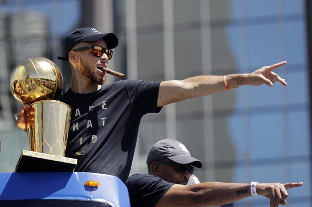Steph Curry set to become NBA's first $200M-man after 5-year, $201M deal with Warriors