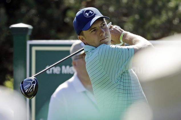 Jordan Spieth starts off strong to take early lead in Travelers Championship debut