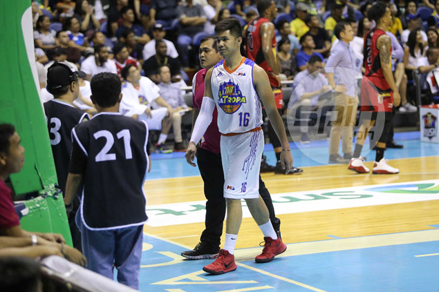 Roger Pogoy fined P30,000 for low blow on Arwind Santos
