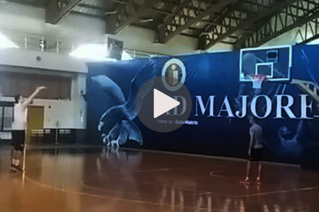 New stretch big man? Greg Slaughter shows off sharper three-point shooting. WATCH