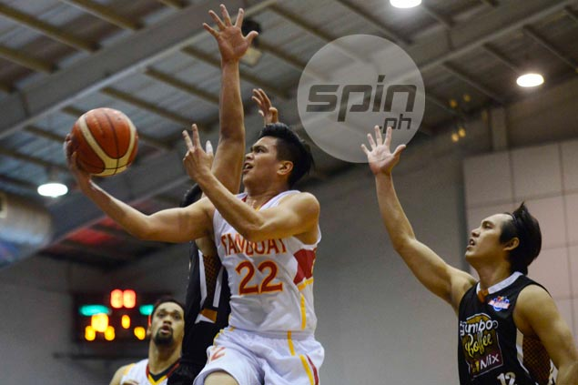 Lester Alvarez gets going as Tanduay blows past Gamboa Coffee for third win in row