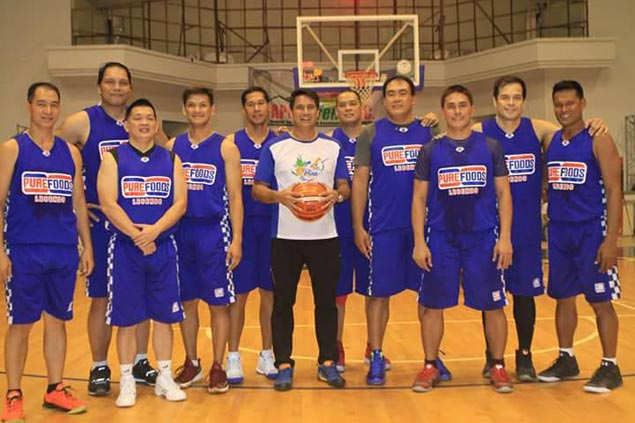 Everything in slow motion as former Purefoods stars get together in Leyte charity game