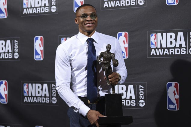Westbrook breaks down in thanking family, wife after capping historic season with MVP award