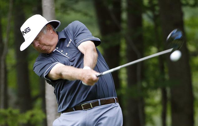 Kirk Triplett matches PGA Champions Tour major record with an 8-under 62 at Salem CC