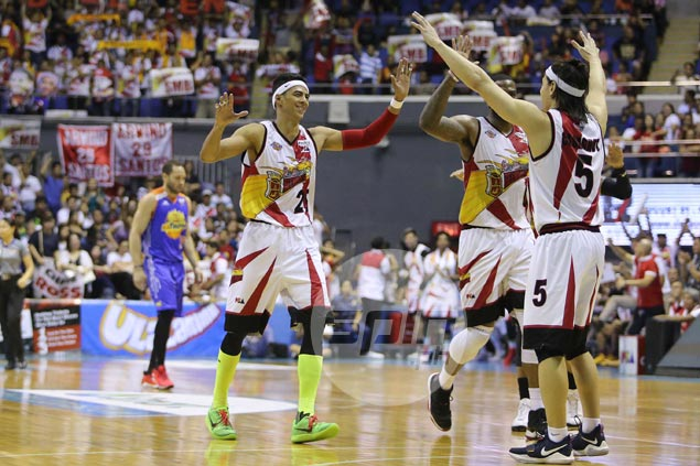 Arwind Santos turns back clock with vintage showing, but urges SMB to start strong in Game 6