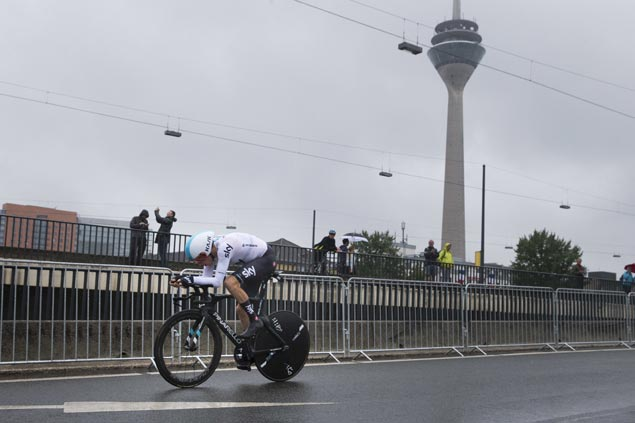 Geraint Thomas tops opening ITT in Tour de France as Chris Froome and Team Sky responds to doubters