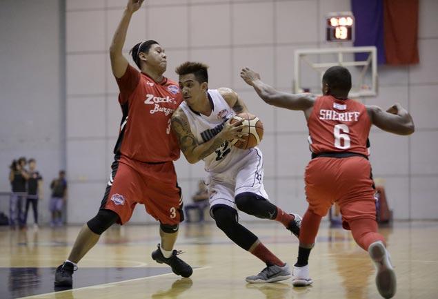 Michael Juico scores 30 as Wangs Basketball wins by 41 over struggling Zark's Burger