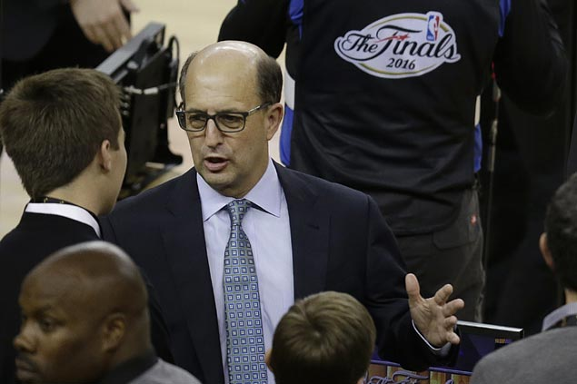 Jeff Van Gundy returns to coaching as former NBA coach leads Team USA in Fiba World Cup qualifiers