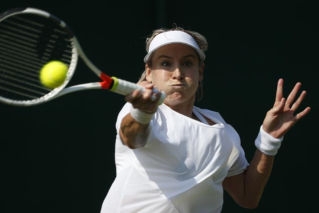 Wimbledon run ends in screams for Bethanie Mattek-Sands after gruesome knee injury