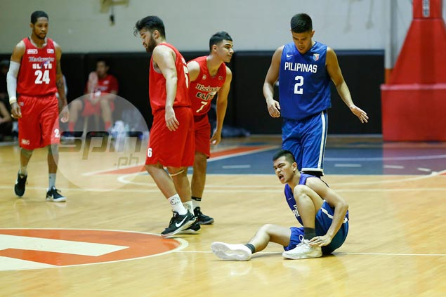 Gilas holds breath as Jio Jalalon sprains ankle in tune-up vs Blackwater