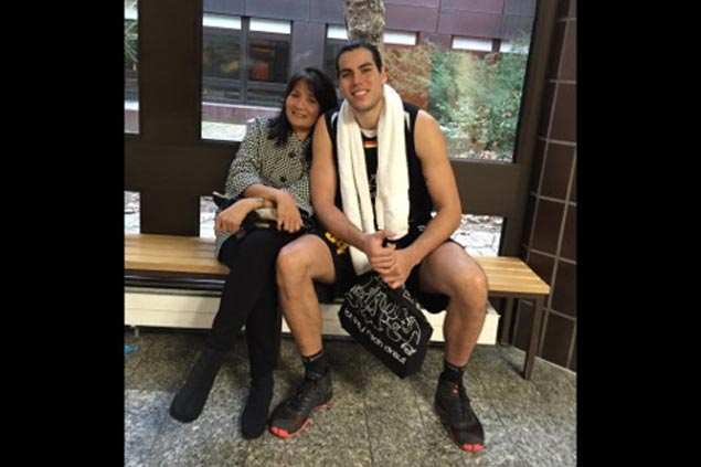 Liz Standhardinger so proud to see son find his way 'home' in basketball career