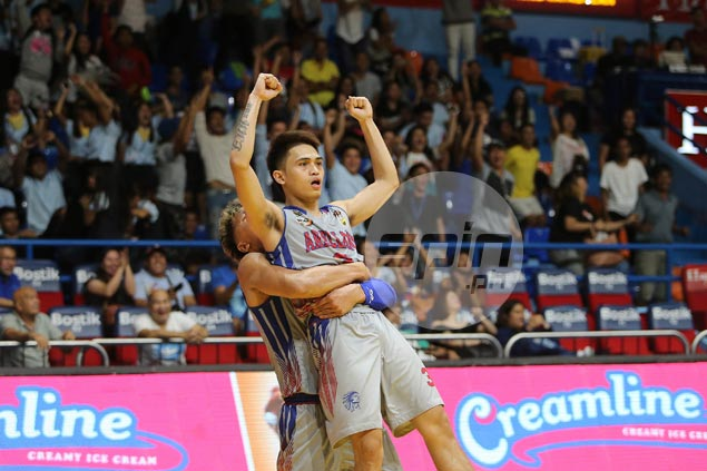 Kent Salado hits last-gasp basket to lift Chiefs to overtime victory over Heavy Bombers