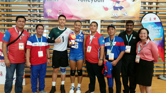 Filipino spiker earns praises for honesty after returning lost valuables in Singapore schools meet