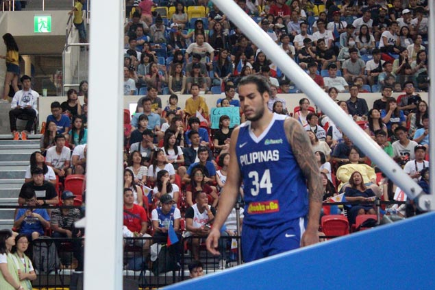 Fuming Chot Reyes orders Standhardinger back to dugout for 'cheap shot' on Iraqi player