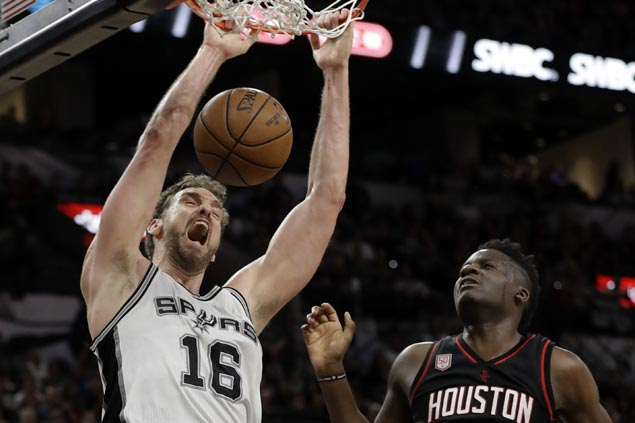 Pau Gasol agrees to three-year deal with Spurs, according to source