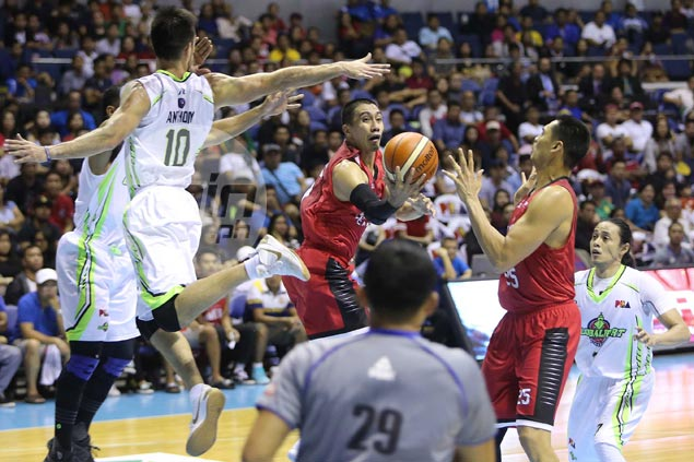 Cone turns to old, reliable triangle offense anew as Ginebra demolishes GlobalPort