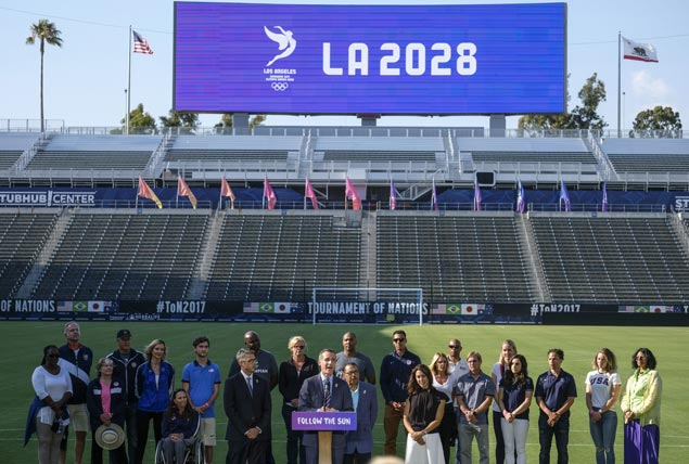 Los Angeles makes deal to give up 2024 Olympic hosting bid and wait until 2028