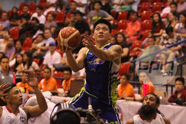 Jeron Teng plays down triple-double record, turns focus on keeping Flying V sharp for semis