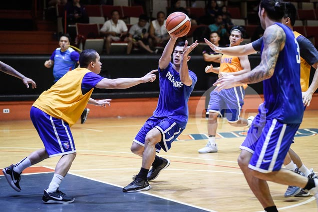 Jio Jalalon willing to make sacrifices for flag and country as he spends birthday with Gilas family