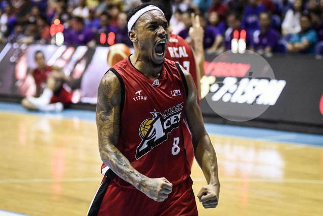 Calvin Abueva brings fight back to Alaska, but not enough to stop the bleeding