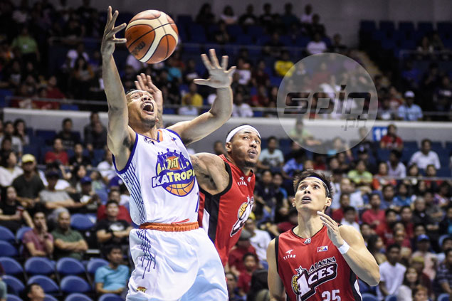Racela apologizes to Chot after Castro, Pogoy forced to play longer minutes than planned