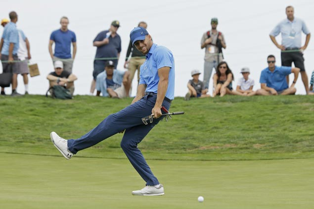 Stephen Curry bucks nerves, heats up after shaky start in pro golf debut at Ellie Mae Classic