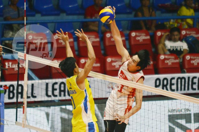 Cignal turns back Mega Builders to move a win away from clinching PVL Open crown