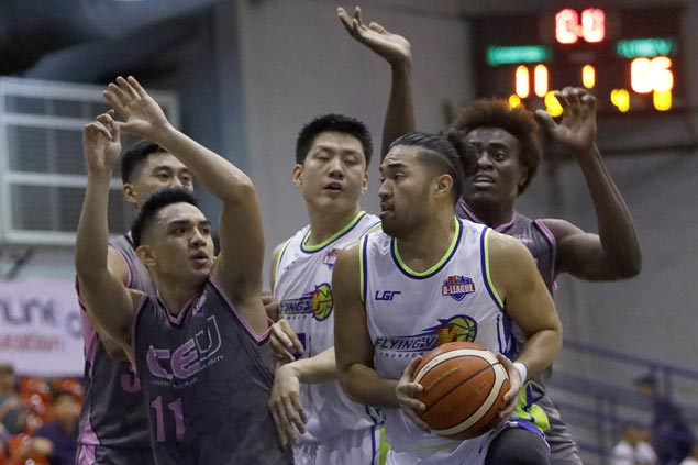 Thunder stretch unbeaten run to 11, close in on D-League finals with close win over CEU