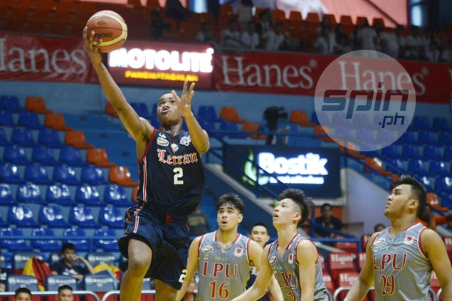 Rookie Enoch Valdez's 30-17 game leads Squires past Junior Pirates in NCAA juniors basketball