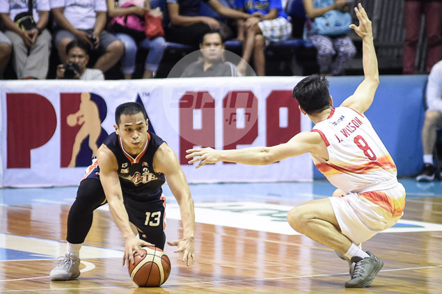 Garvo Lanete glad to finaly put one over older brother Chico in Meralco win over Phoenix